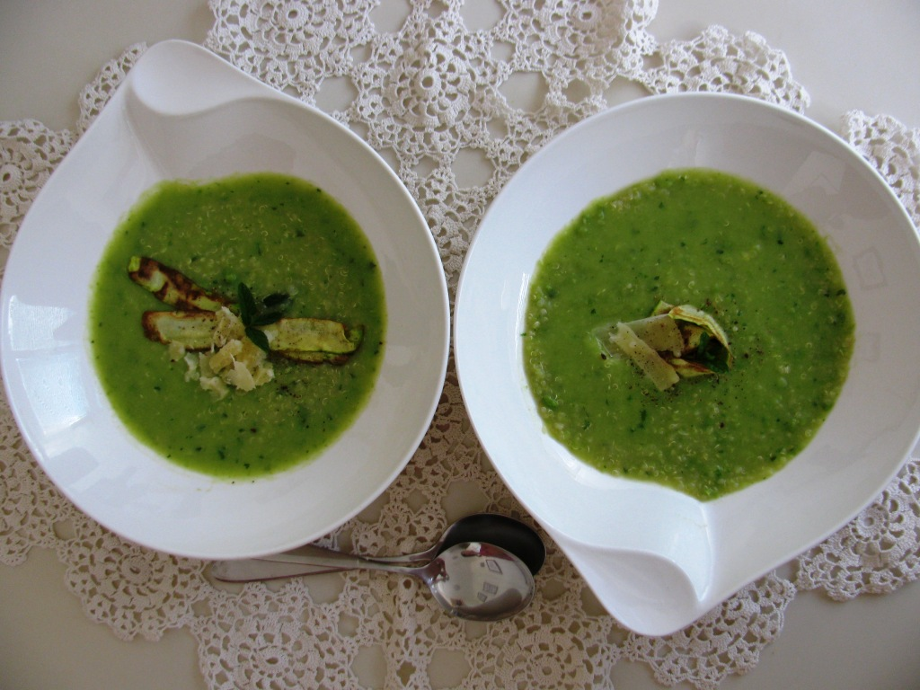 "A shy ""Hello"" to autum: Zucchini and Beans Soup with Quinoa"