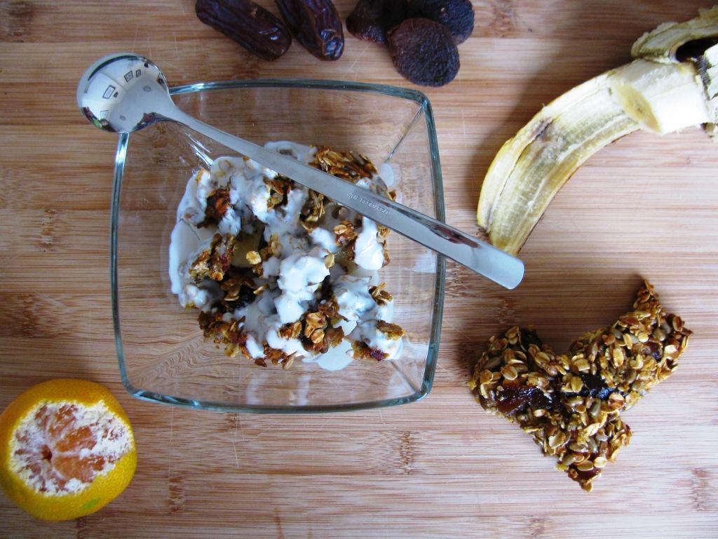 Müsli pločice od kvinoje i suhog voća