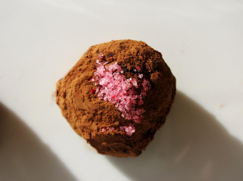 Kuglice od suhih šljiva i tamne čokolade