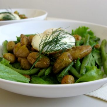 Green Beans Salad with Curry Roasted Baby Potatoes and Fried Egg