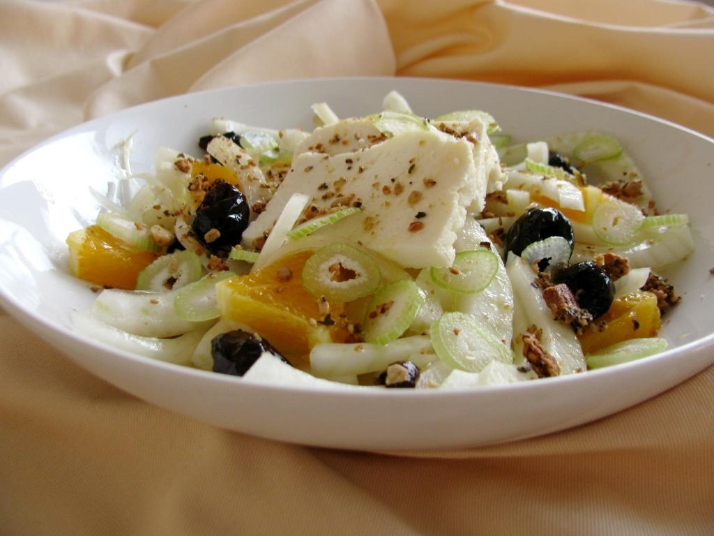 Zimska salata od koromača s narančom i skutom
