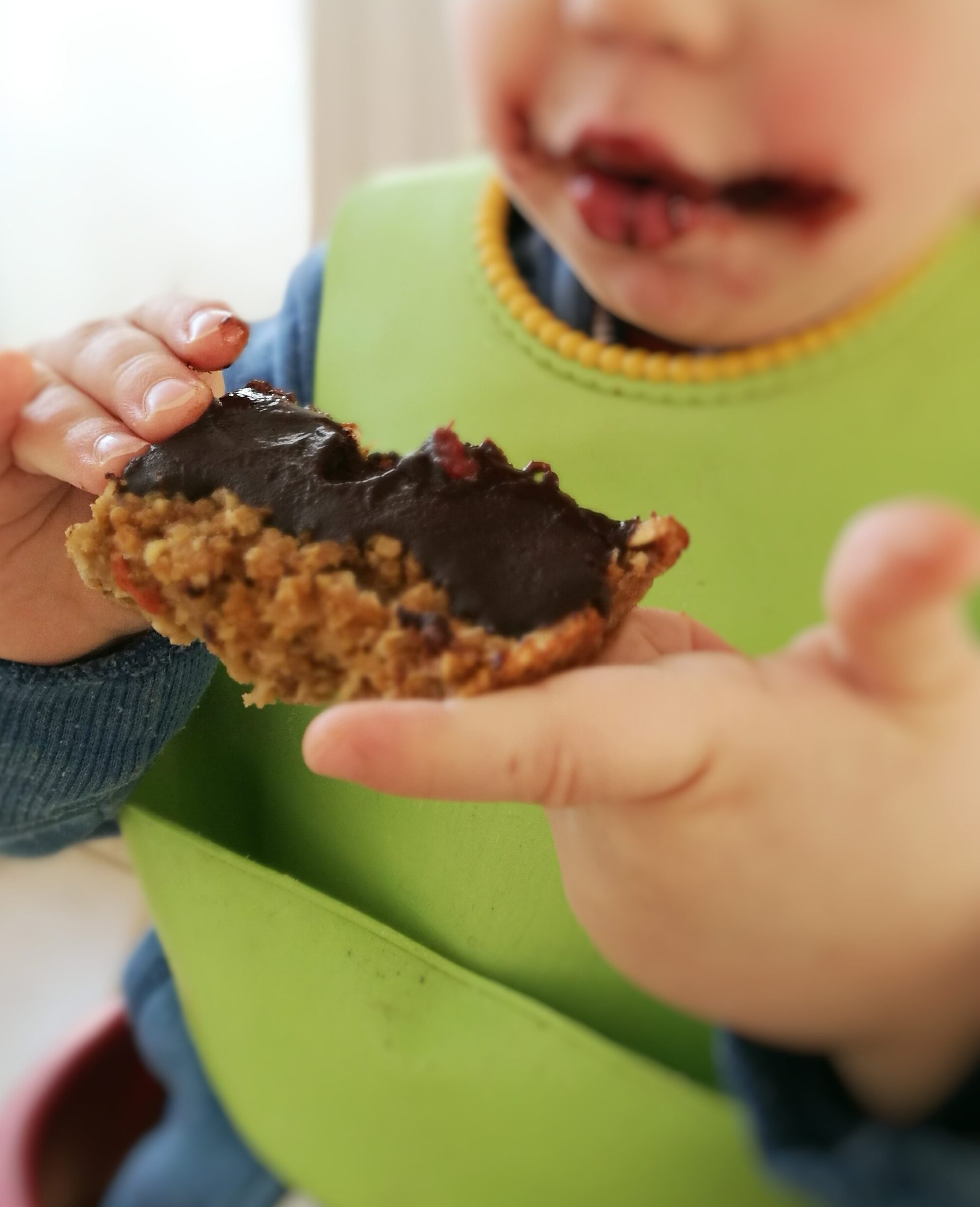 Coconut and Chocolate Quinoa Breakfast Bars - Kids approved