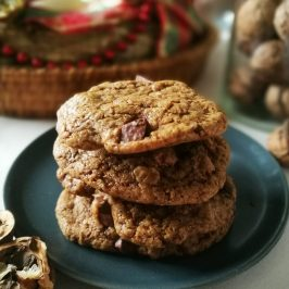 Chewy Chocolate Chip Cookies_stack2